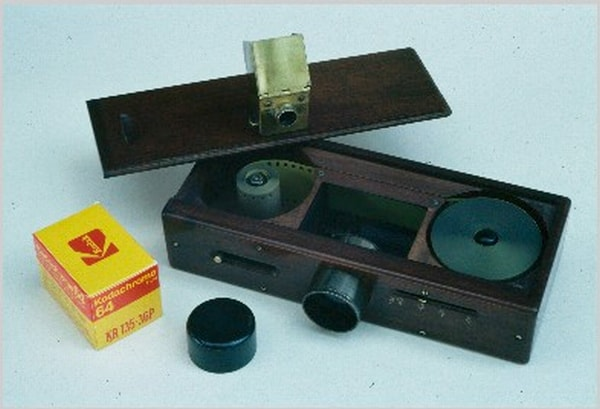 اولین دوربین 35 میلیمتری ساخته شده توسط اندرسون