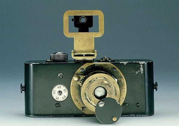 اولین دوربین 35 میلیمتری لیکا