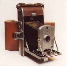 اولین دوربین پولاروید